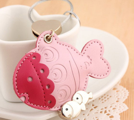Little fish leather keychain