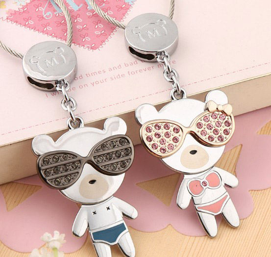 Wearing glasses bears lovers keychains