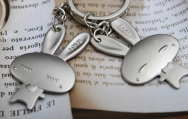 Rabbit couples alloy keychains