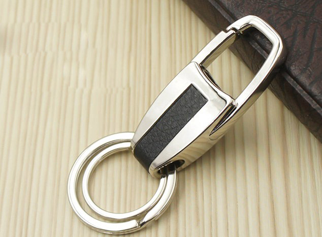 Men classic alloy keychain