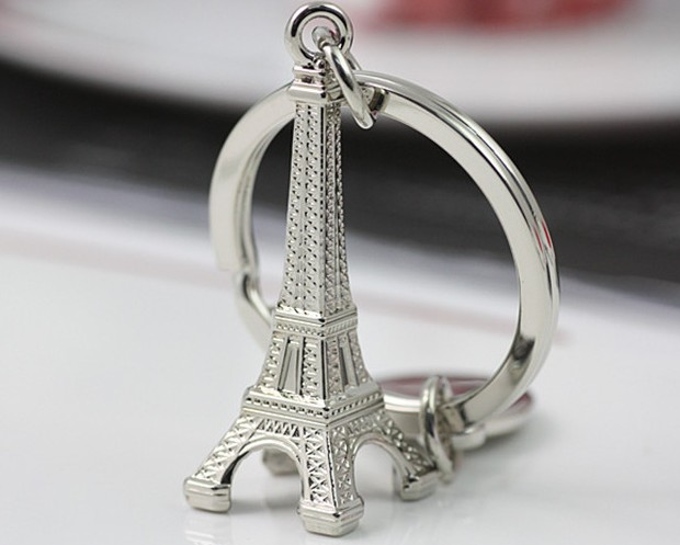 Eiffel Tower alloy keychain