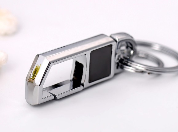 Men's classic alloy keychain