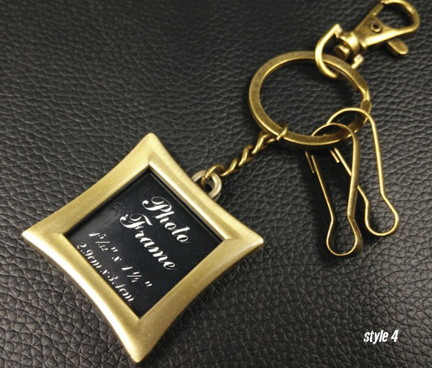 Retro photo frame keychain