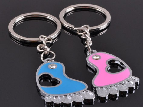 Love's footprints couple keychains