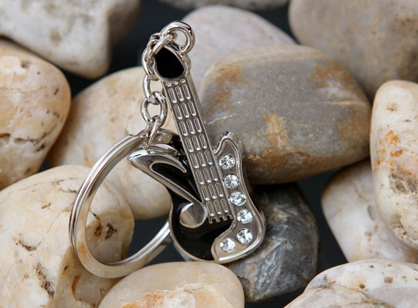 Mini guitar keychain