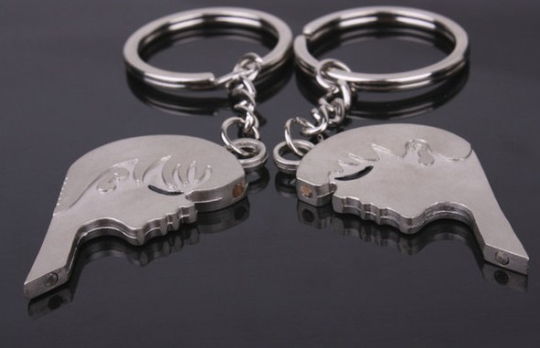 Love Kiss Couple Keychains
