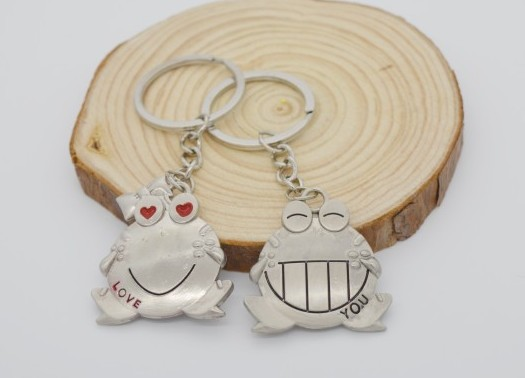 big mouth frog couple keychain