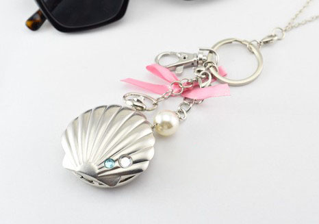 Silver Shell Watch Keychain